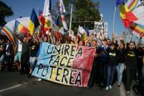 Mii de persoane au cerut unirea Moldovei cu Romania intr-un miting la Chisinau