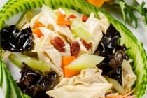 Salata cu tofu si frunze de telina