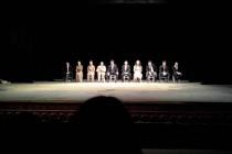 Minunata trupa a Teatrului Eugen Ionesco din Chisinau, ne invita sa ne cunoastem trecutul pentru a putea spera la un viitor!