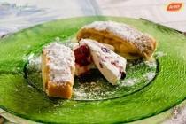 Strudel Tirolez cu mere sau branza dulce