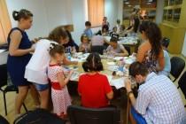 Atelier de Sticlărie şi Expoziţie de lucrări realizate din sticlă fuzionată la Biblioteca Judeţeană Panait Istrati din Brăila
