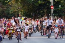 Peste o sută de bicicliste la Skirt Bike Galaţi