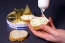 InfoCons - Brânza topită cu cele mai multe E-uri