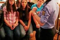 Campanie mesaje preventive: Polițiștii de adresează fetelor
