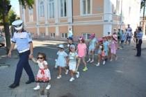 Campanie mesaje preventive: Dacă e luni, poliţiştii vorbesc copiilor