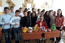 Demonstratie de cum se crează Origami 3D la școala Vlaicu Vodă din municipiul Brăila