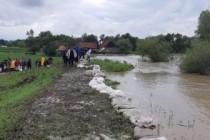 """Ministerul Apelor şi Pădurilor, prin A.N. """"Apele Române"""", monitorizează în permanență cursurile de râuri aflate sub avertizarea hidrologică de cod galben și cod portocaliu"""