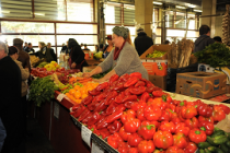 Fructe și legume autohtone în toate piețele din România