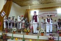 Românaşii de Roşiori - culeg laurii gloriei la fiecare reprezentaţie folclorică
