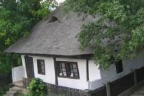 Casa memoriala Mos Ion Roata din Campuri, Vrancea