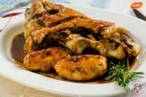 Ciolan de porc cu galuste de cartofi