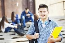 """Încep înscrierile pentru Concursul Național """"Tinerii Dezbat"""", ediția a VII-a"""