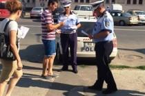 Campanie mesaje preventive: Dacă e vineri, poliţiştii vorbesc pietonilor