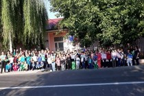 Elevii din Tichileşti, în luptă cu indolența și lipsa de educație