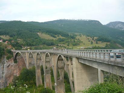 Muntenegru- pod intrare Canion Tara