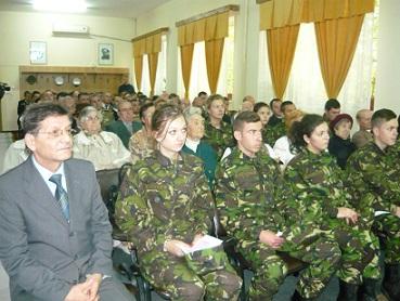 participanti simpozion Ziua Armatei