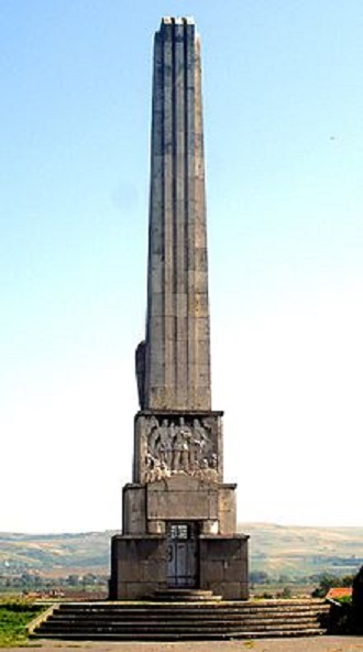 Alba Iulia, monumentul rascoalei