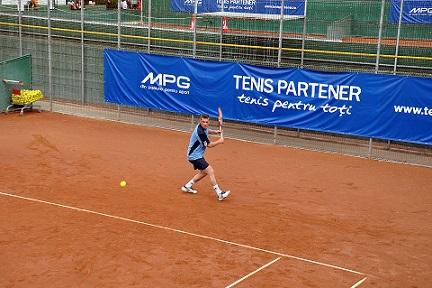 MPG, tenis partener