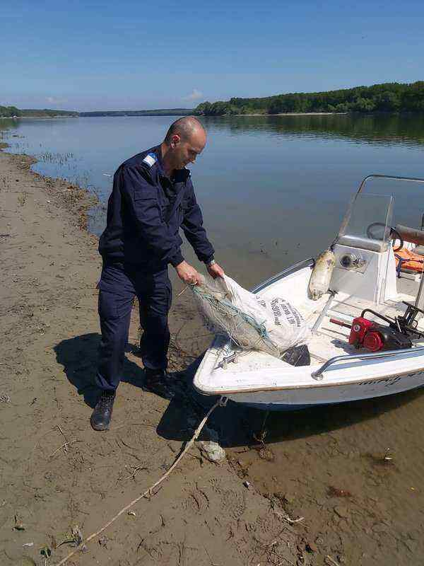 jandarmi prindere pescari ilegali